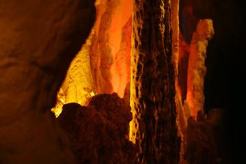 기괴한 석회동굴