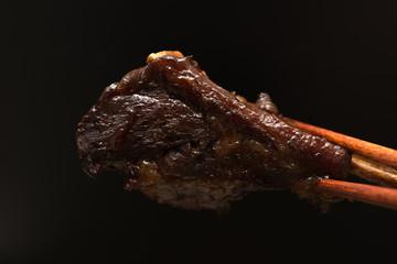 スペアリブ spare ribs 黒背景