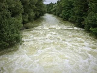 Isar-Loisach-Kanal führt Hochwasser