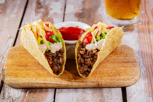 Plagát, Obraz tacos with minced meat with greens and tomatoes