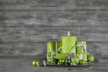 Weihnachtsdekoration in grün als Geschenkgutschein