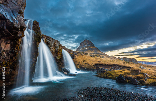 Leinwanddruck Bild waterfalls and kirkjufell, sunrise, Iceland