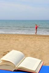 Lesen am Strand
