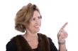 Frau mit 40 isoliert zeigt mit dem Finger: Präsentation