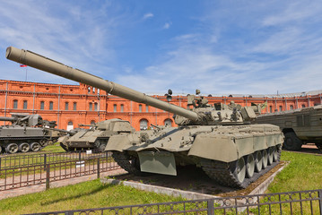 Soviet main battle tank T-80