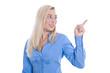 Junge Business Frau isoliert präsentiert mit Zeigefinger