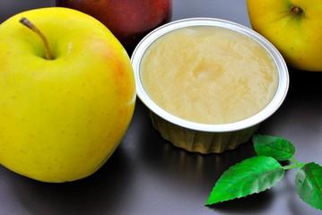 Vasetto di polpa di mele