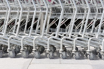 roller of shopping cart