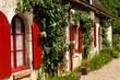 canvas print picture - Altes Wohnhaus in Frankreich