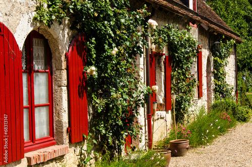 canvas print picture Altes Wohnhaus in Frankreich