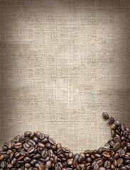 Kaffeebohnen auf Jutesack