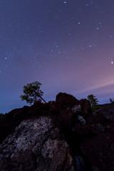Nachthimmel über dem Teide Nationalpark auf Teneriffa