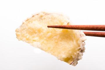 さつまいも 天ぷら Tempura 白背景