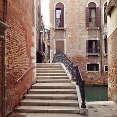 Treppe über Brücke in Venedig