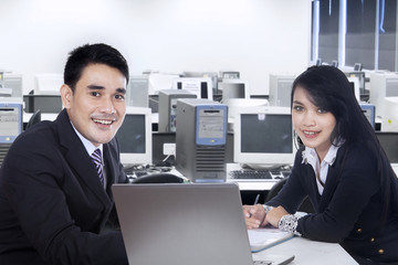 Businesspeople working together in office 1