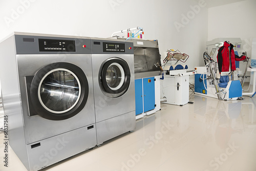 Dry Cleaning - 68337585