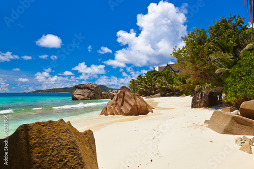 canvas print picture Tropical beach at Seychelles