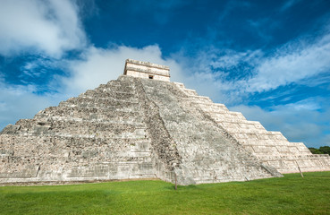 El Castillo or Temple of Kukulkan pyramid, Chichen Itza, Yucatan