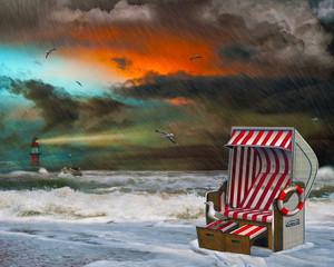 Gewitter, Unwetter mit Strandkorb, Leuchtturm an der Nordsee