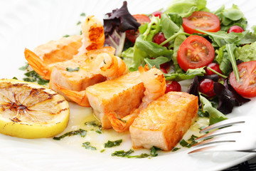 roasted salmon and shrimps with fresh gooseberry salad