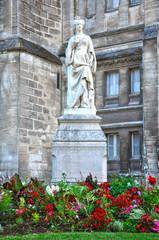 Angulema, monumento de Margarita de Valois, reina de Navarra