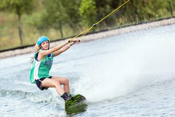 Training Frau beim Wassersport