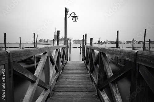 Foto op Plexiglas Venetie Black and white photo of Venice seafront
