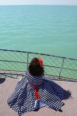 tekne turunda gölü izlemek