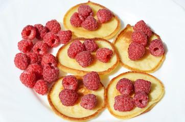 Оладьи с ягодой,