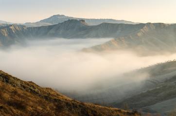 Calanchi nella nebbia