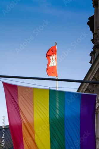 Regenbogenflagge in Hamburg Poster
