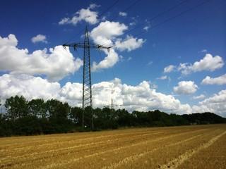 Überlandleitung zur Stromversorgung