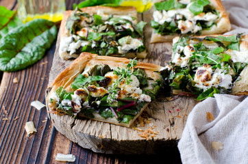 Tart with spinach, chard and cheese