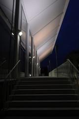 Wuppertaler Schwimmoper bei Nacht