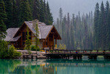 Fototapety emerald lake lodge