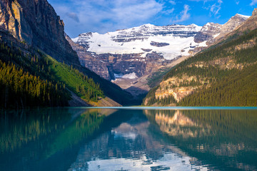 lake louise, morning
