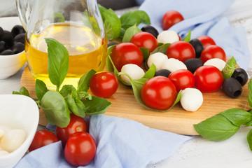 Cherry tomatoes and mozzarella