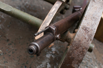 muzzle of the old rifle