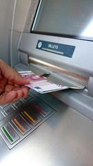 distributeur d'argent