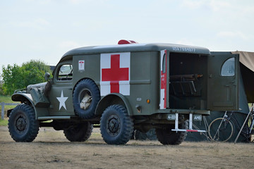 ambulance dodge wc 54