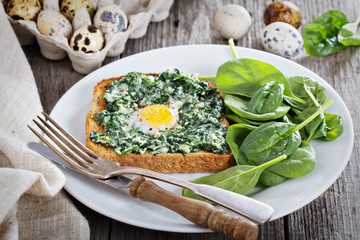 Spinach and egg sandwich