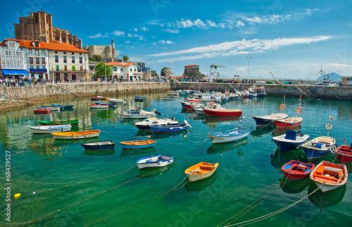 Foto op Aluminium Poort Harbour of Castro Urdiales, Spain