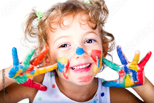 bambina divertente - 68443704