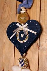Blaues Herz aus Holz