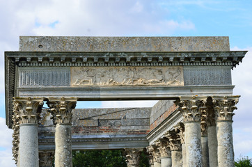 Close up of Roman folly