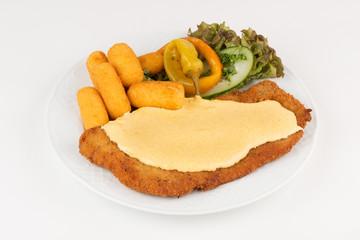 Schnitzel mit scharfer Sauce Hollandaise
