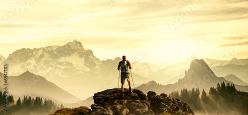 Tuinposter Alpinisme Hiker on Summit