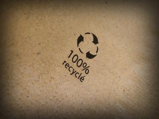 100 % carta riciclata
