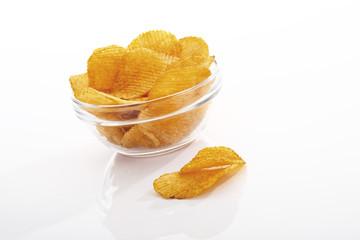 Kartoffelchips in schale