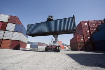 Container wird gehoben